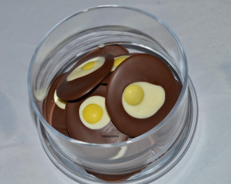 Чоколадни јајца