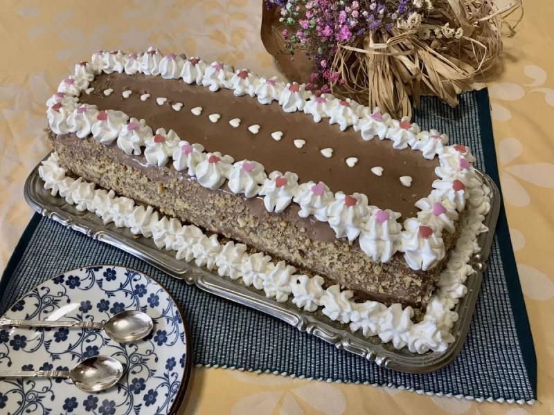 Торта со лешници