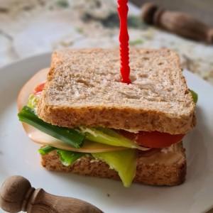 Пролетен сендвич со зеленчук