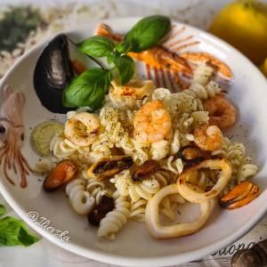 Тестенини  со морски плодови