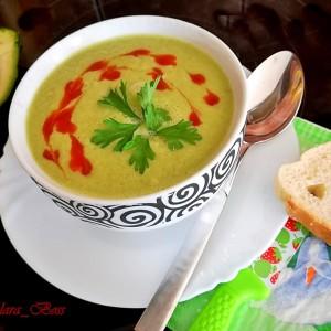 Зелена супа во Мултифреш