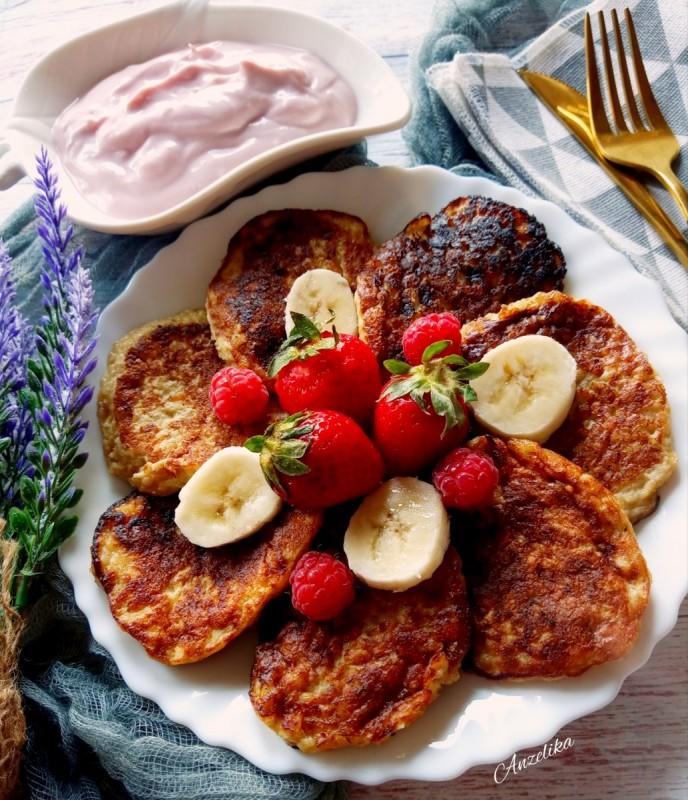 Здрави мини палачинки со банана без брашно