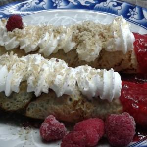 Палачинки со сладолед и малини