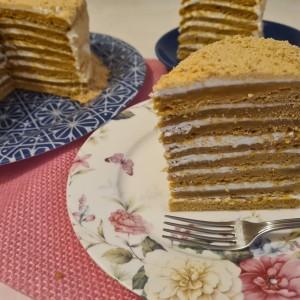 Торта со мед (Медовик)