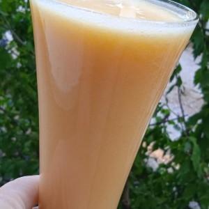 Освежувачки витамински пијалок