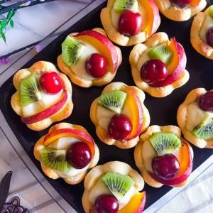Тарт кошнички со овошје