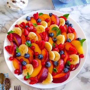 Колоритна овошна салата