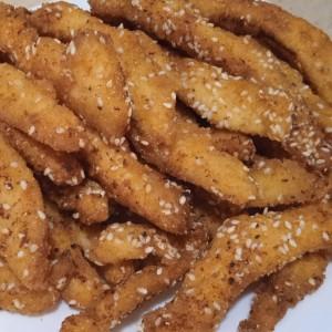 Сочни пилешки стапчиња (во маринада од млеко)