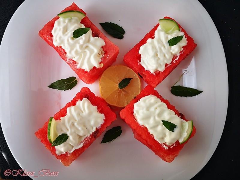 Слатко сирење во лубеница