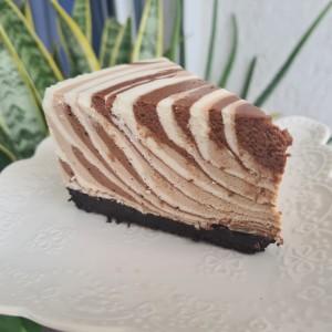 Чизкејк со три вида чоколадо