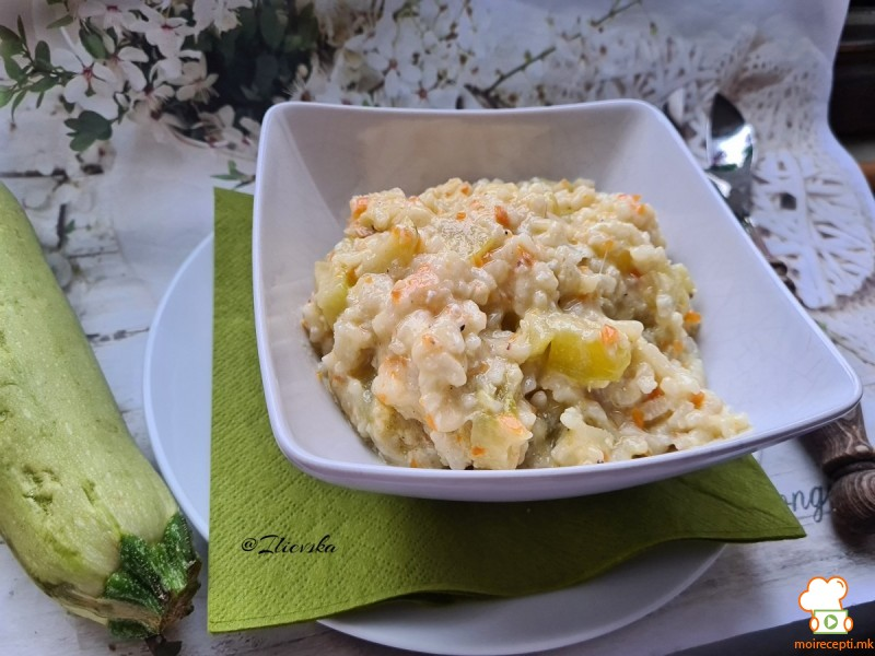 Едноставен ручек од тиквичка со ориз