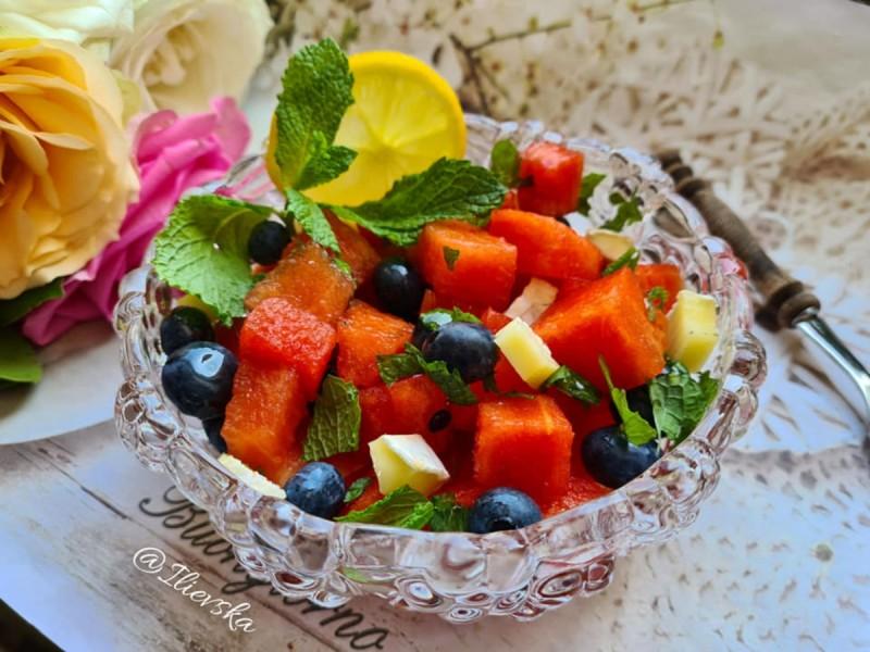 Овошна салата со лубеница
