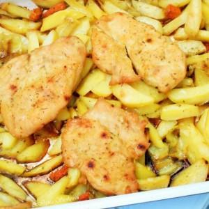 Печен пилешки стек на компири